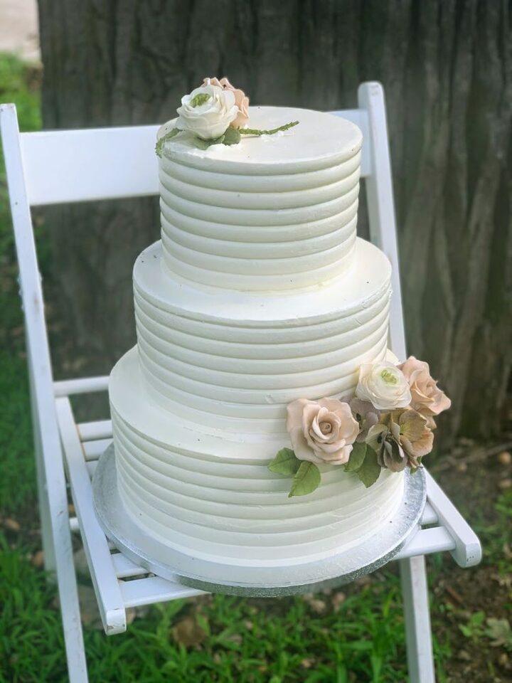 nyari-eskuvoi-torta.jpg